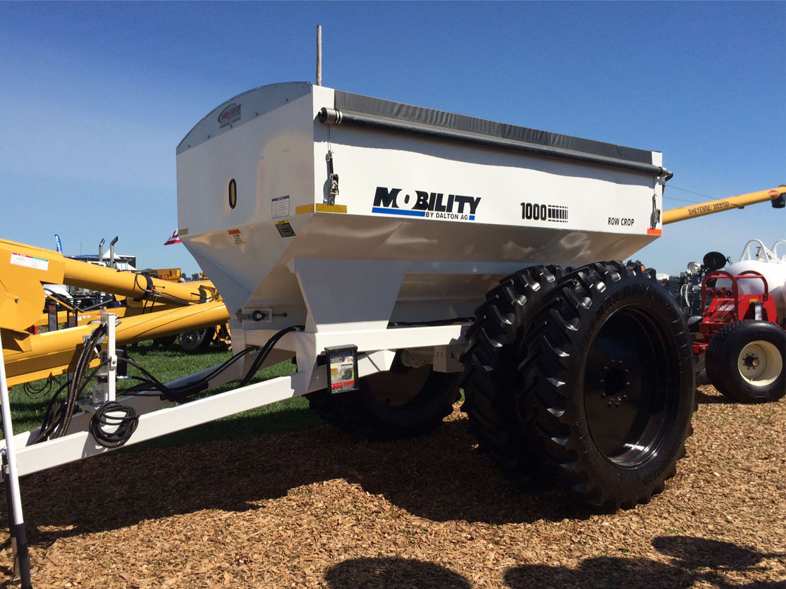 Mobility Row Crop Dry Spreader
